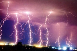 20130318_lightning_india